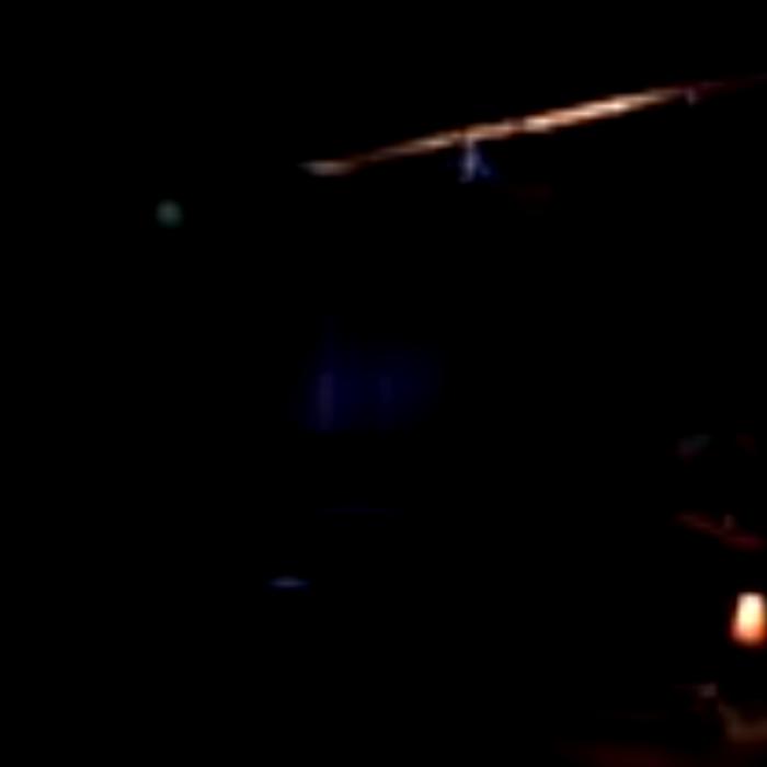 Viedo: Karen Eliot live at Péniche Fulmar